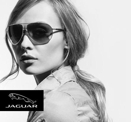 Jaguar Testimonial Frau mit Hemd